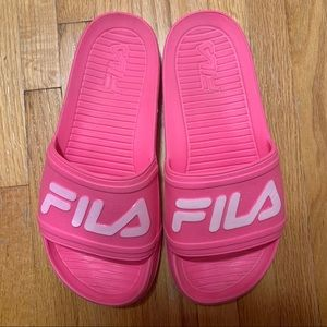 FILA WOMENS POOL SLIDES